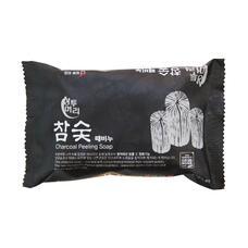 Мыло с отшелушивающим эффектом с углем JUNO Charcoal Peeling Soap, 150г