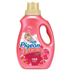 Кондиционер для белья PIGEON RICH PERFUME SIGNATURE Hi-Enriched Fabric Softener Flower Festival (Bottle 2000)