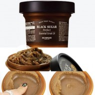 Скраб для лица SKINFOOD Black sugar Perfect Essential Scrub 210 гр