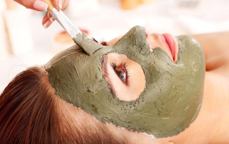 Нормализация гидро-липидного баланса с помощью глиняной маски